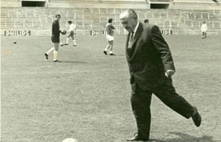Don Santiago Bernabéu, maestro de madridismo - Página 4 Img-santiago-bernabeu-president-du-real-de-1943-a-1978-1349565157_620_400_crop_articles-162468